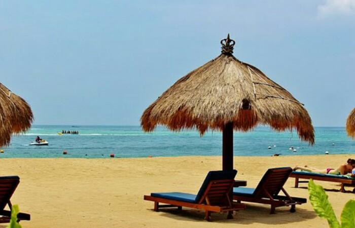 Pantai Nusa Dua Bali Tripbaligo