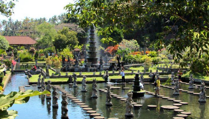 Menikmati Istana Air Tirta Gangga Water Palace Karangasem