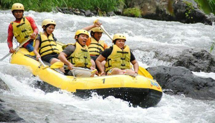 Ayung Rafting Ubud Bali, Wisata Memacu Andrenalin
